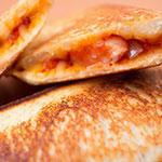 【簡単料理レシピ】オシャンティーに大人気!タマネギ・ベーコン・チーズ・ホットサンド