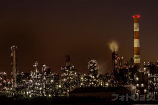 望遠レンズで撮った工場夜景3