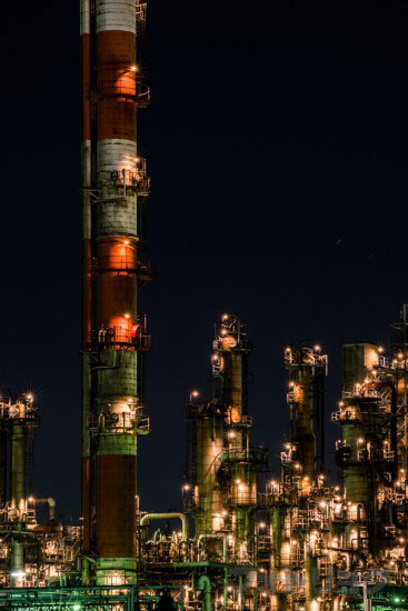 望遠レンズで撮った工場夜景1