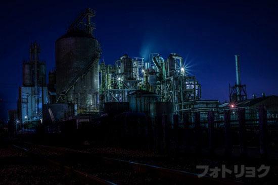 レンズ:Ai AF NIKKOR 50mm f/1.8Dで撮った工場1