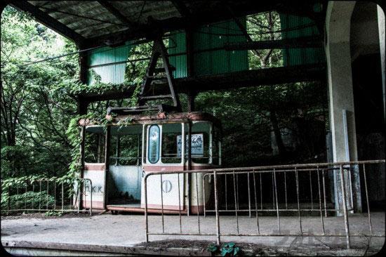 ロープウェイの廃墟