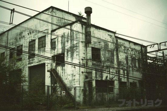 廃墟外観2