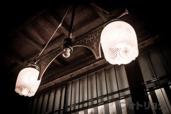 三井八郎右衛門邸の廊下の電気