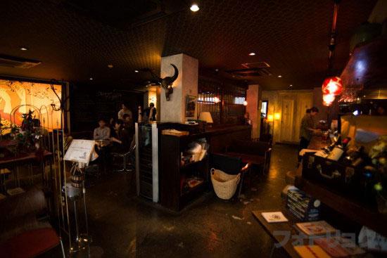 桜丘カフェの店内