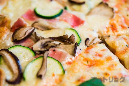 ロイヤルガーデンカフェのピッツァランチ2