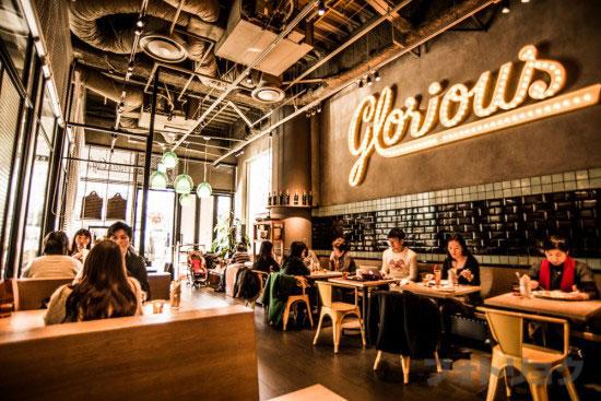 グロリアスチェーンカフェ2