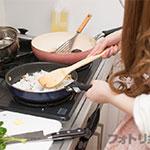 彼氏が喜ぶ簡単料理を写真付きでバッチリ紹介!家デートの定番料理はコレ!