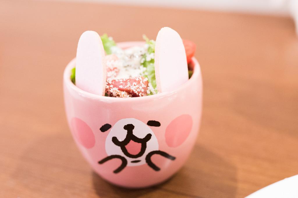 ピンクのうさぎサラダ